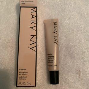 Mary Kay Oil Mattifier